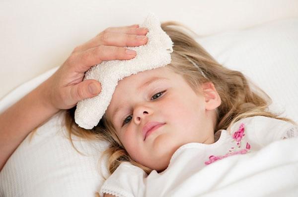 Image result for Các mẹ nên làm gì khi trẻ sốt mọc răng?